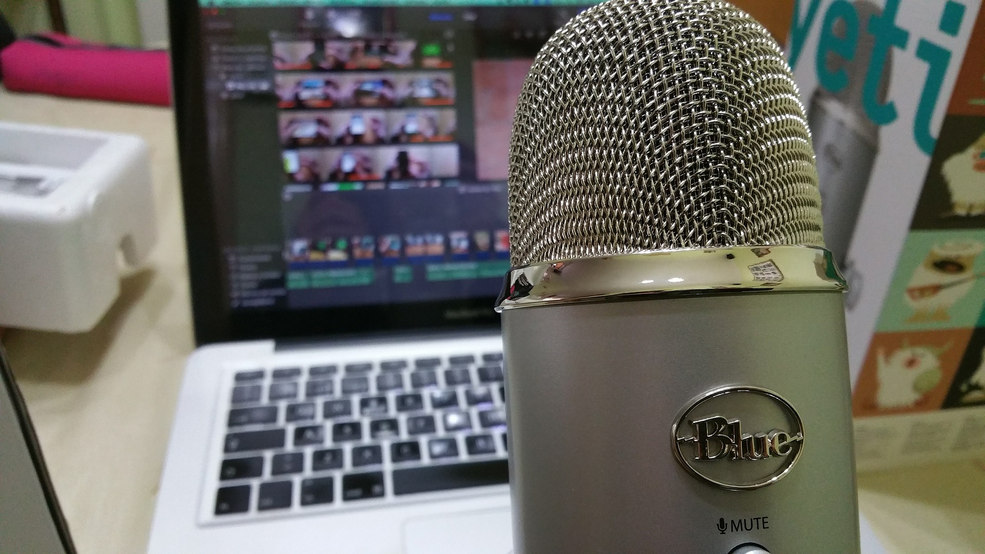 6 Podcasts to Help Grow Your Ecommerce Biz